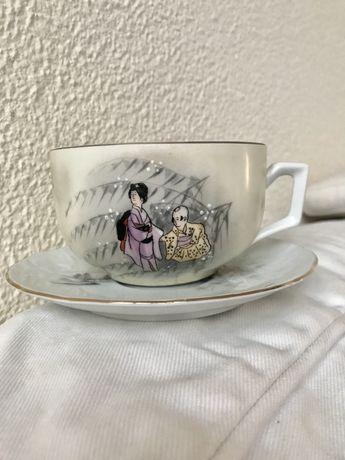 Vista Alegre chávena de chá grande com rebordo dourado