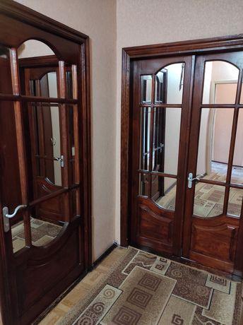 Двери межкомнатные деревянные с зеркалом для зала и спальни детской