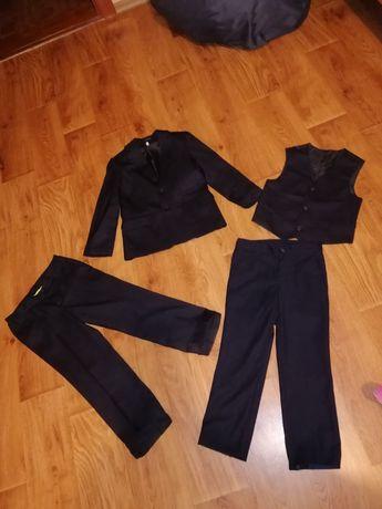 Школьная форма, пиджак, две пары брюк 6-8 лет