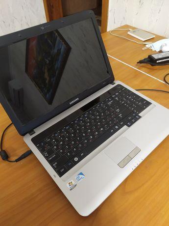 Ноутбук Samsung RV510 в идеальном состоянии.
