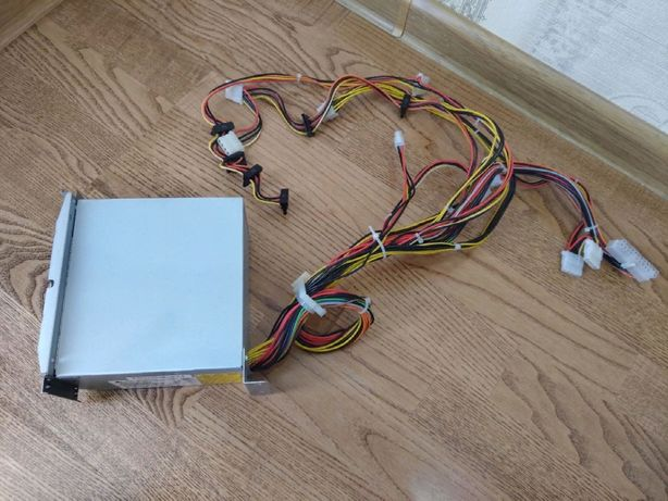 Компьютерный-Серверный блок питания Delta Electronics 460W(500 600)