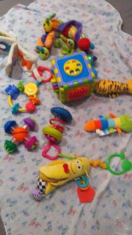 Игрушки: погремушки, трещетки, на коляску