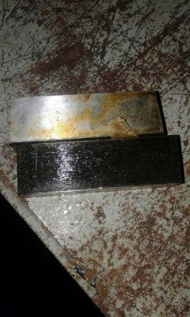 Плашка для плоской нарезки резьбы