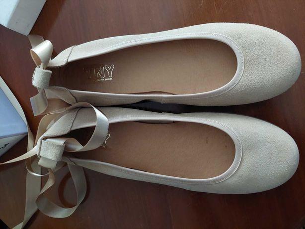 Sapatos criança novos (nunca usados)