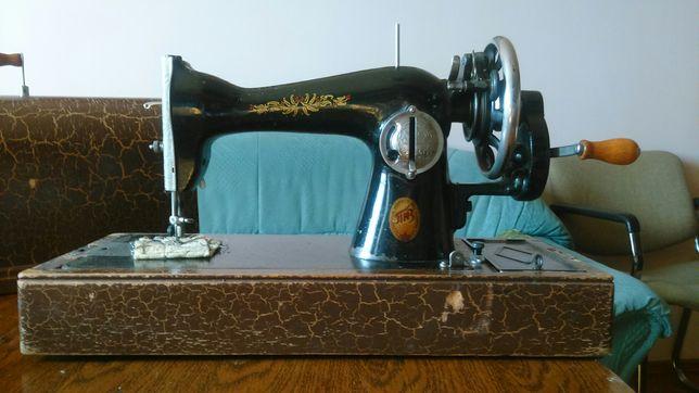Продам Швейную машинку Подольского механического завода имени Калинина