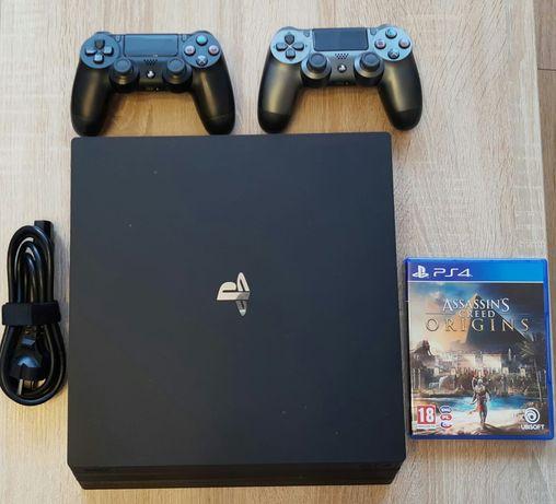 Konsola PS4 Pro 1TB + 2 pady + Assasin's Creed Origins