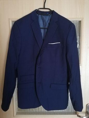 Sprzedam męski garnitury slim50