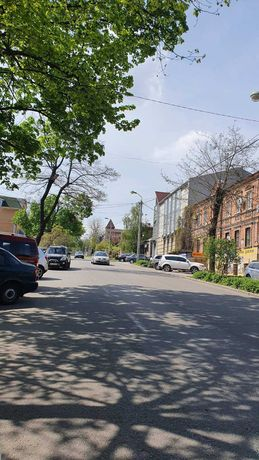 Продам участок в самом центре города, ул. Артема