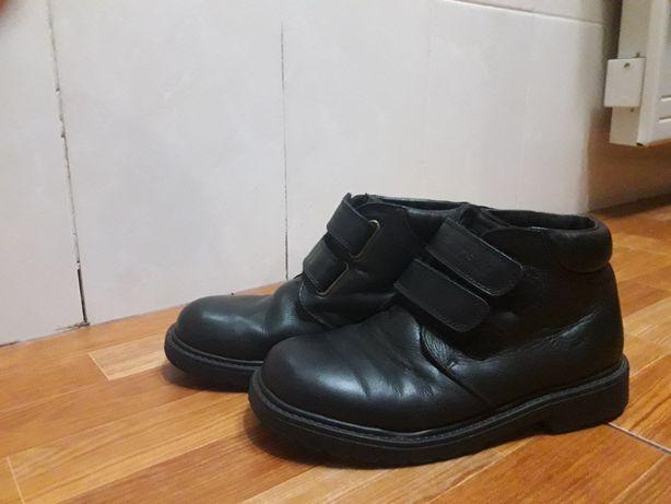 Осінні черевики,чобітки