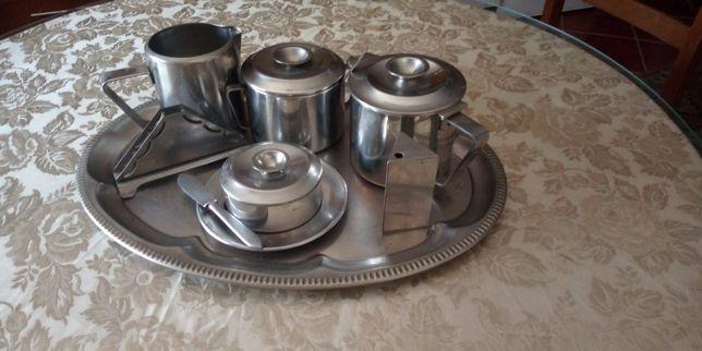 Conjunto de mesa (café/chá)