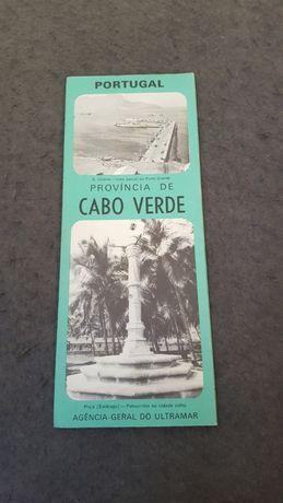 Conjunto de duas brochuras antigas alusivas a Cabo Verde e Timor