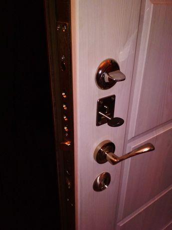 Ремонт дверей . Врезка замков .Реставрация дверей .Установка дверей .