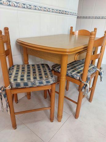 Mesa de cozinha e 3 cadeiras