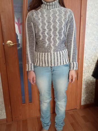 Свитер, джинсы 3 штуки, всё за 250 гривень