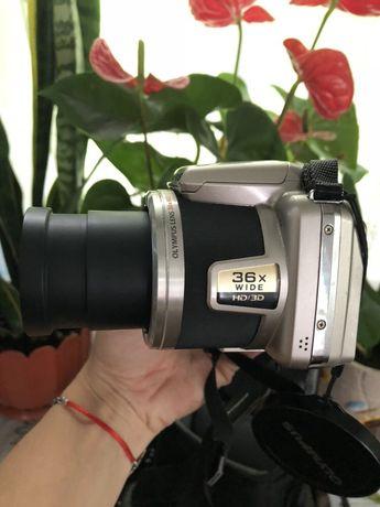 Фотоапарат OLYMPUS SP-810UZ 14 megapixel +флешка на 4Гб +сумочка