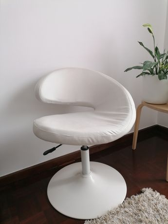 Cadeira de escritório branca