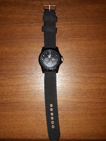Часы новые продам