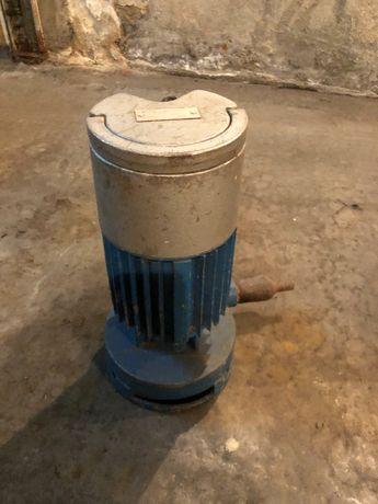 Продам насос для воды центробежный