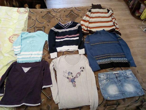 Женские свитера, кофточки
