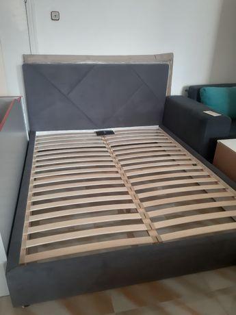 Продається двоспальне ліжко