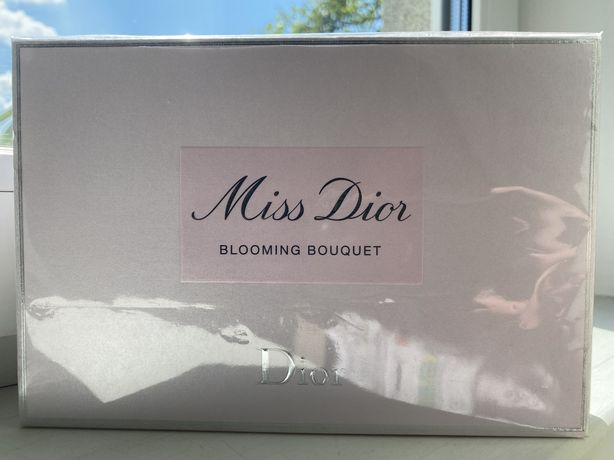 Набор Miss Dior Blooming Bouquet