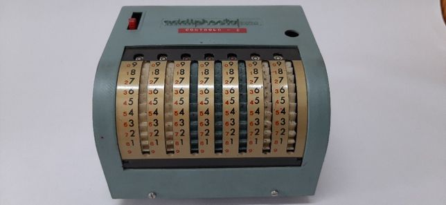 Calculadora Addipresto (Anos 50 do Séc. XX)