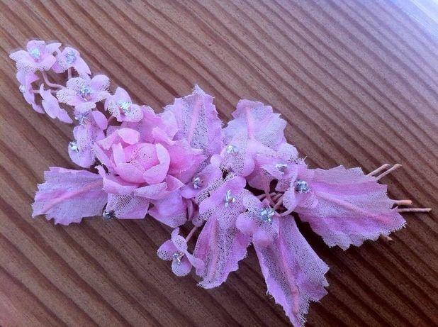Веточка из шифоновых цветов в волосы невесты.Полу веночек. Украшение.