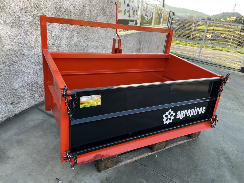 Caixa de carga trator
