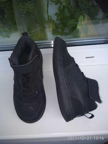 Осенние ботиночки NIKE