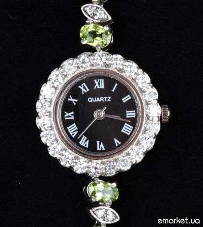 Серебряные часы перидот циркон серебро .925