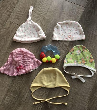 Шапочки, чепчики, антицарапки для новорожденных 0-3 месяца