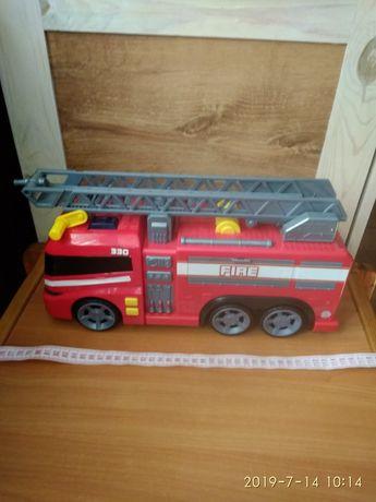 Велика пожежна машина.