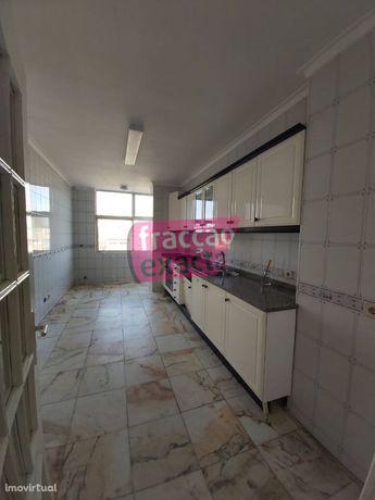 Apartamento T3 Dúplex - São João da Madeira