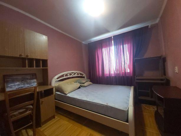 Трехкомнатная квартира на Черемушках в новом кирпичном доме .