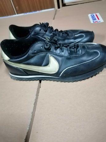 Czarne buty nike 41