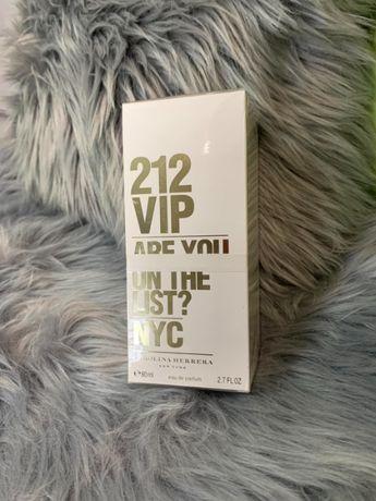 212 VIP Are you on the list? NYC Carolina Herrera 80ml