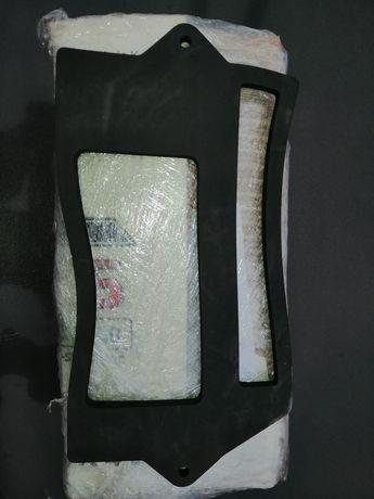 Продам прокладку між блоком запобіжників та кузова ВАЗ 2108,2109,21099