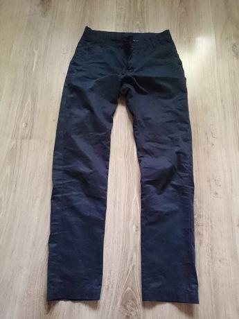 Materiałowe spodnie chłopięce