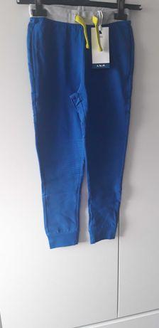 Spodnie dresowe (5.10.15) rozm 128
