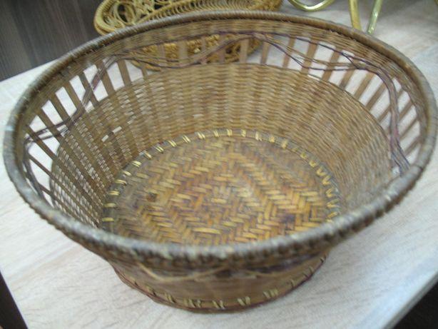 stary koszyczek ręcznie pleciony vintage