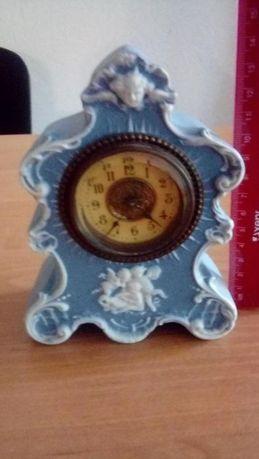 Антикварные часы голубой бисквит (Wedgwood)