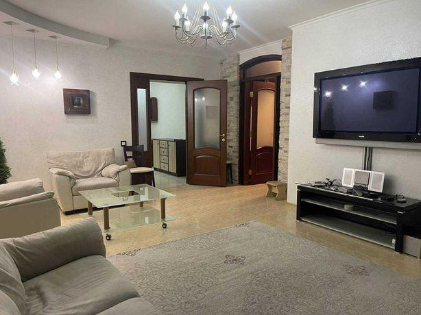 Продам 2х комнатную  квартиру с ремонтом в новом доме в центре города!