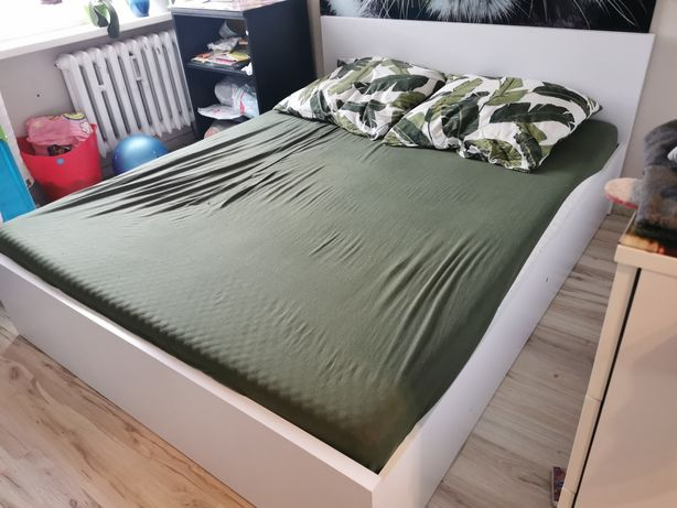 Łóżko 160 cm x 200 cm