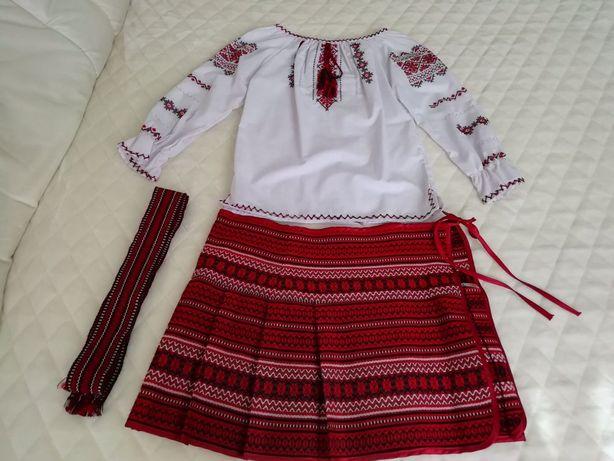 Украинский национальный костюм ручной работы