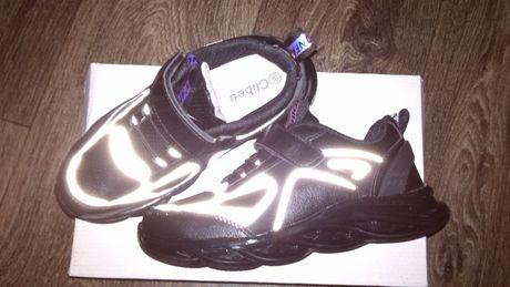 кроссовки новые размер 36 стелька 21,5 см