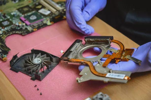 Ремонт компьютеров и ноутбуков, замена термопасты, чистка от пыли.
