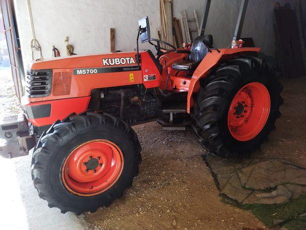 Trator kubota M5 700