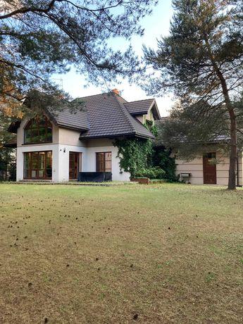 Piękny dom w Chotomowie w otulinie lasu
