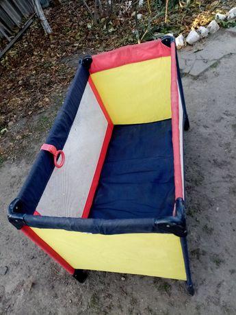 Манеж-кровать детский складной