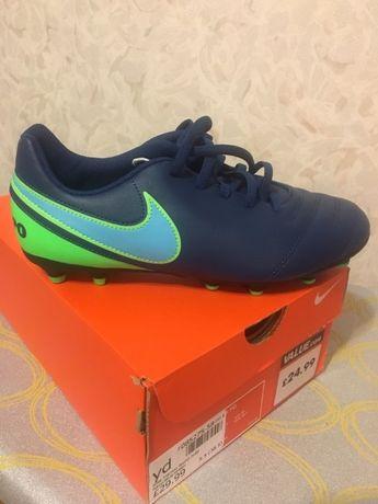 футбольные бутсы Nike 24 cм новые